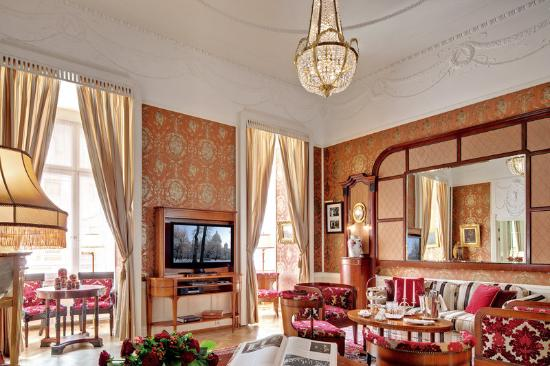 Belmond Grand Hotel Europe: Lidval Suite Lounge