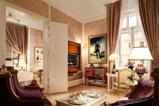 Belmond Grand Hotel Europe: Romanov Suite Lounge