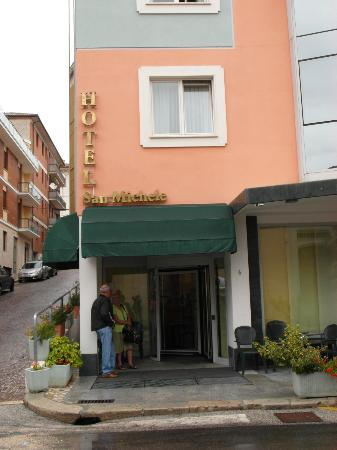 Hotel San Michele : Excellent curb appeal with street parking available