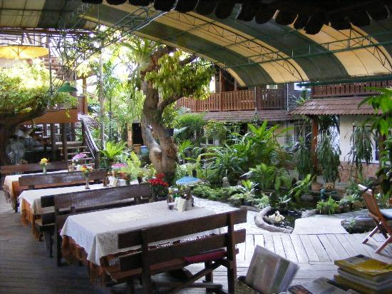 Garden Cafe - Picture of Mountain View Guest House, Chiang Mai ...
