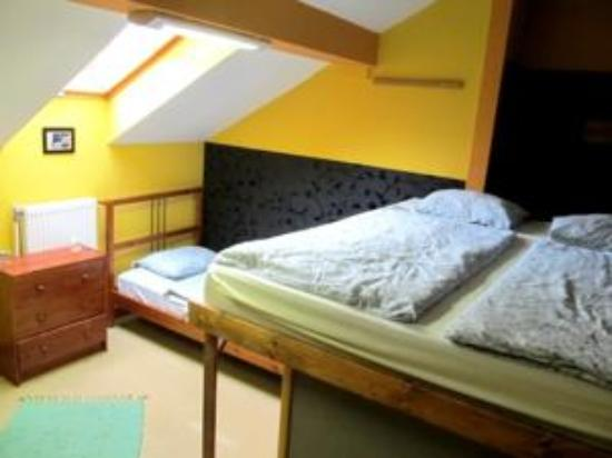 Casa De La Musica Hostel: x