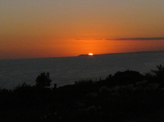 Dolphin View Chalets: Sensational sunsets