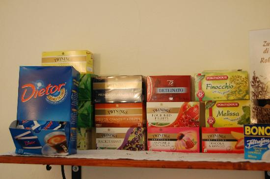 L'Antico Borgo: Selection of Tea. They also have a good selection of spread