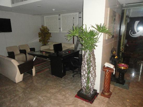 Quality Inn Bez Krishnaa: Reception area