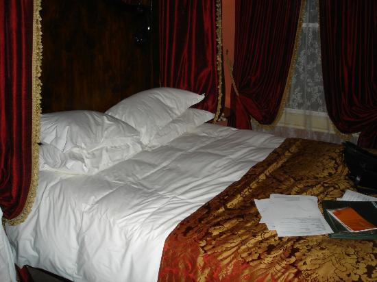 The Rookery Hotel: our bed