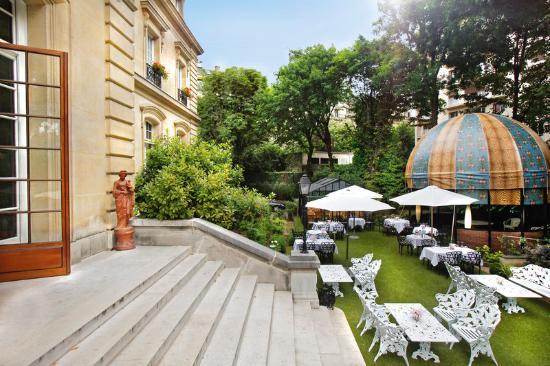 Saint James Paris - Relais et Chateaux: Terrace