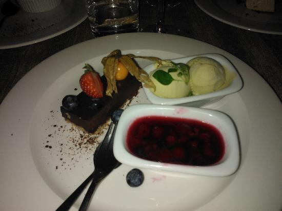 Von Krahli Aed: Chocolate cake with mint icecream and hot cherry sauce
