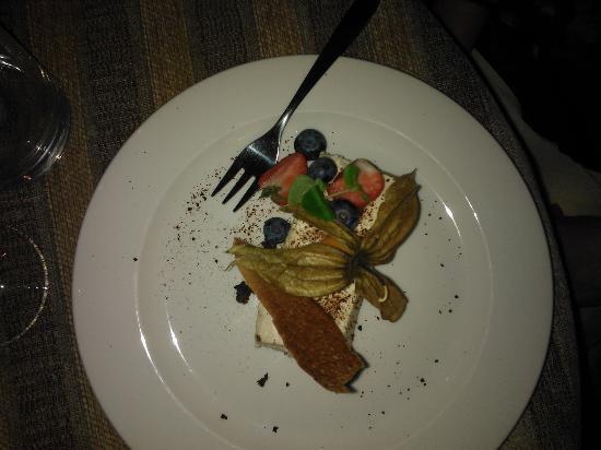 Von Krahli Aed: Frozen Cheesecake with Rhubarb