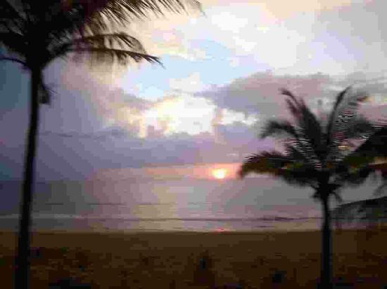 AMBO ChaungTha Resort Hotel: BEACH