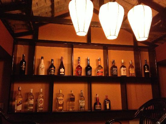 Lux Guest house: Bar & pub