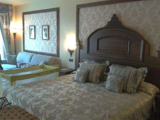 PortAventura Hotel Gold River: Cama