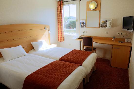 Kyriad Marseille - Les Pennes Mirabeau Aeroport: chambre 2 lits