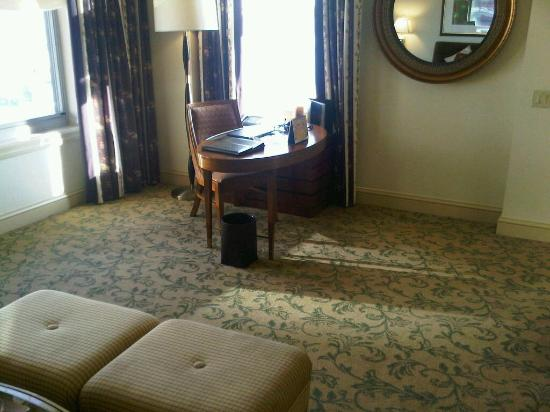 Mandarin Oriental, Washington DC: Work area in room