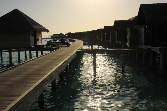 Anantara Kihavah Maldives Villas: villas2