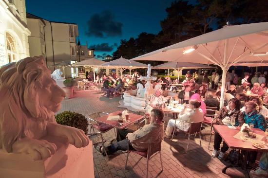 Villa Salve, Restaurant: Terasse bei Live-Musik