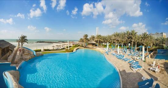 Coral Beach Resort Sharjah: Family Pool