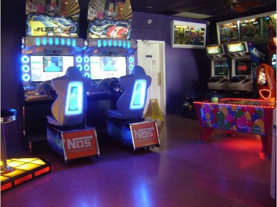 Duffer's: Great indoor arcade