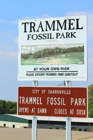 Trammel Fossil Park: Trammel Park Sign