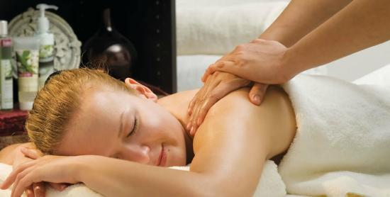 Coral Beach Resort Sharjah: Ayurvedic&Thai massage