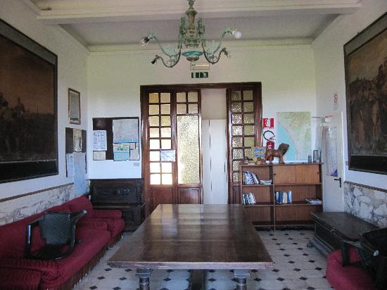 Ostello Apuano: salottino interno