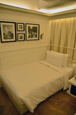 mini hotel causeway bay hong kong super single bed with stylish decor