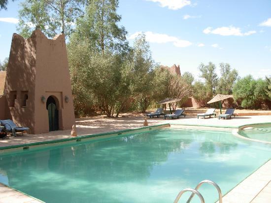 Auberge Derkaoua Chez Michel: La piscine