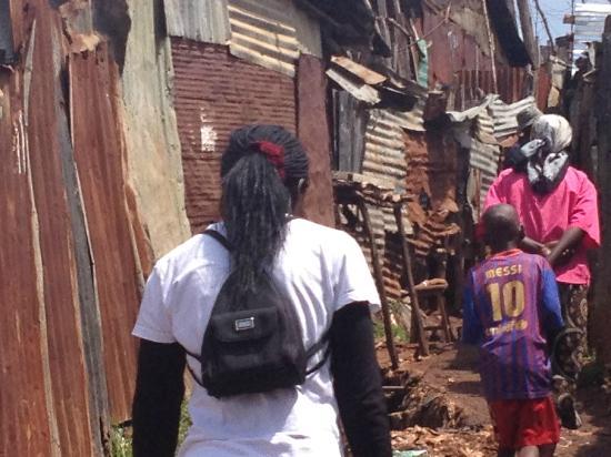 Kibera Tours: streetlife in Kibera