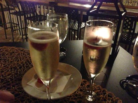 The Inn on Pamlico Sound: Champagne to celebrate our engagement!
