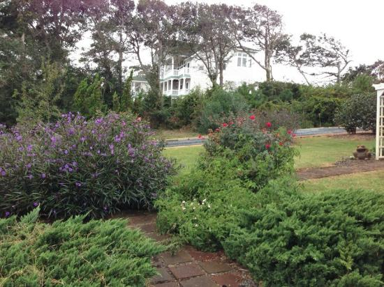 The Inn on Pamlico Sound: One of the beautiful gardens
