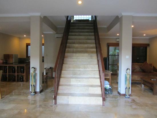 Ajanta Villas: trap midden in de 4 pers. villa