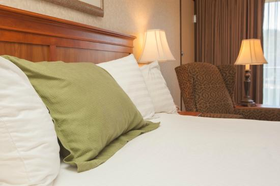 BEST WESTERN Plus Rivershore Hotel: Comfortable Beds