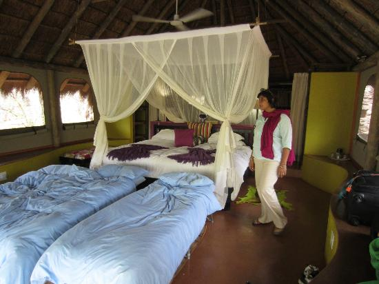 Jaci's Safari Lodge : Roome were beautiful... No need for the suite, but go ahead and splurge.