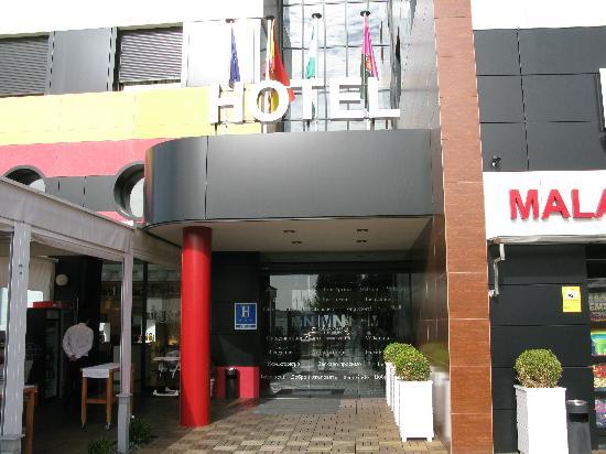 Hotel Malaga Nostrum: entrata