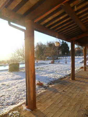 Agriturismo Santa Serena: Dal portico