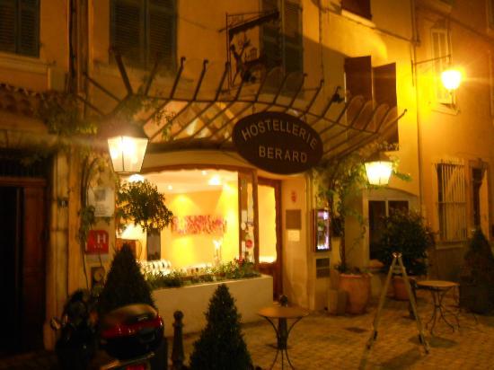 Hostellerie Berard : Evening at the Hotel Berard.