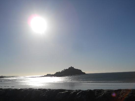 St Michael's Bed & Breakfast: St Michael's Mount - Autumn Sunshine