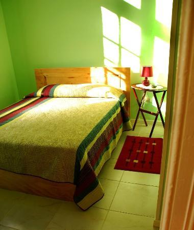Anilu Hospedaje: Habitación matrimonial con baño privado