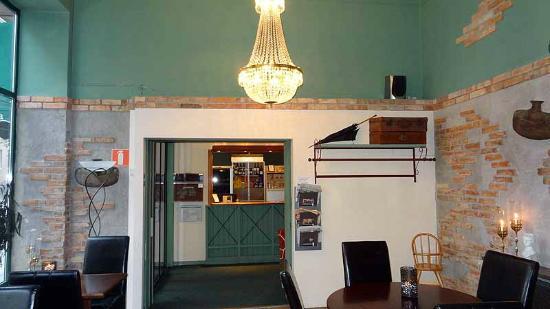 Hotell Linnea: Breakfast room / Front Desk