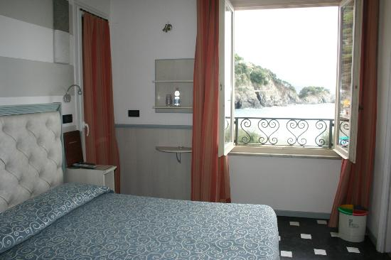 Hotel Pasquale : Balcony door to the left, bathroom to the right, VIEW ALL AROUND!
