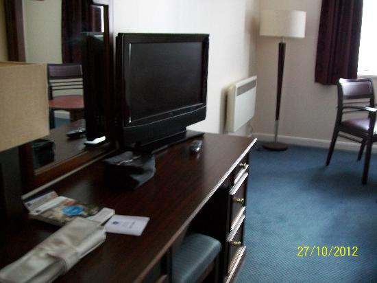 Best Western Buckingham Hotel: our room with tv