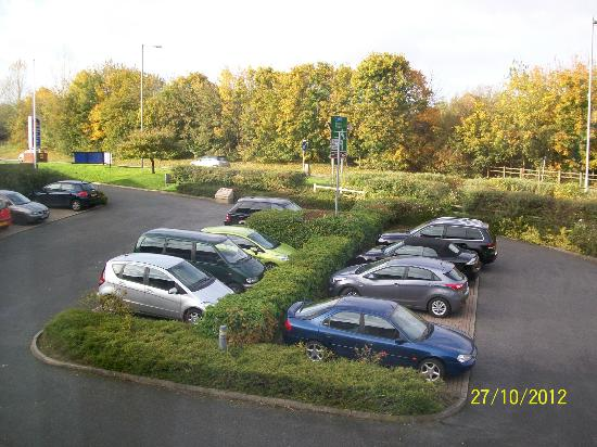 Best Western Buckingham Hotel: car park view