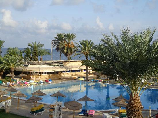 Houda Golf and Beach Club: pool/beach area