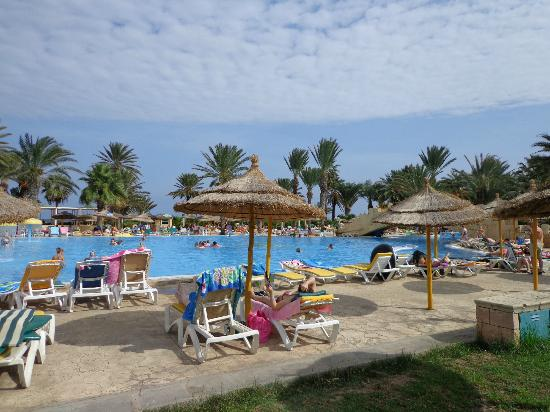 Houda Golf and Beach Club: Pool area