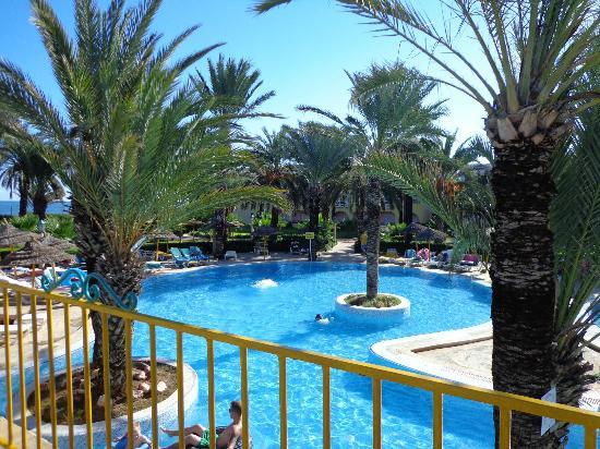 Houda Golf and Beach Club: Pool/Beach area