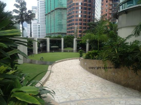 Pullman Kuala Lumpur City Centre Hotel And Residences: Hotel