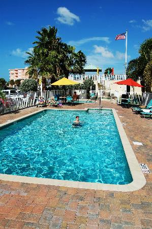 Treasure Bay Resort & Marina: Poolarea
