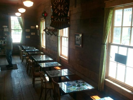 Off the Rail Cafe: Inside dining area - space for 30 customers.