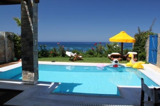 Porto Zante Villas & Spa: the view across the ground floor