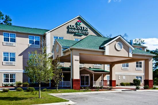 Photo of Country Inn & Suites Tallahassee East
