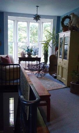 Brambles Inn and Gardens: Second floor sitting area